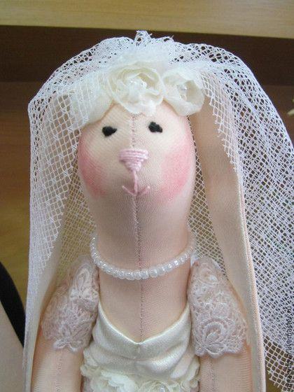 Подарки на свадьбу ручной работы. Интерьерная   Свадебная пара зайцев. Игрушки от Нины Рябовой. Интернет-магазин Ярмарка Мастеров.