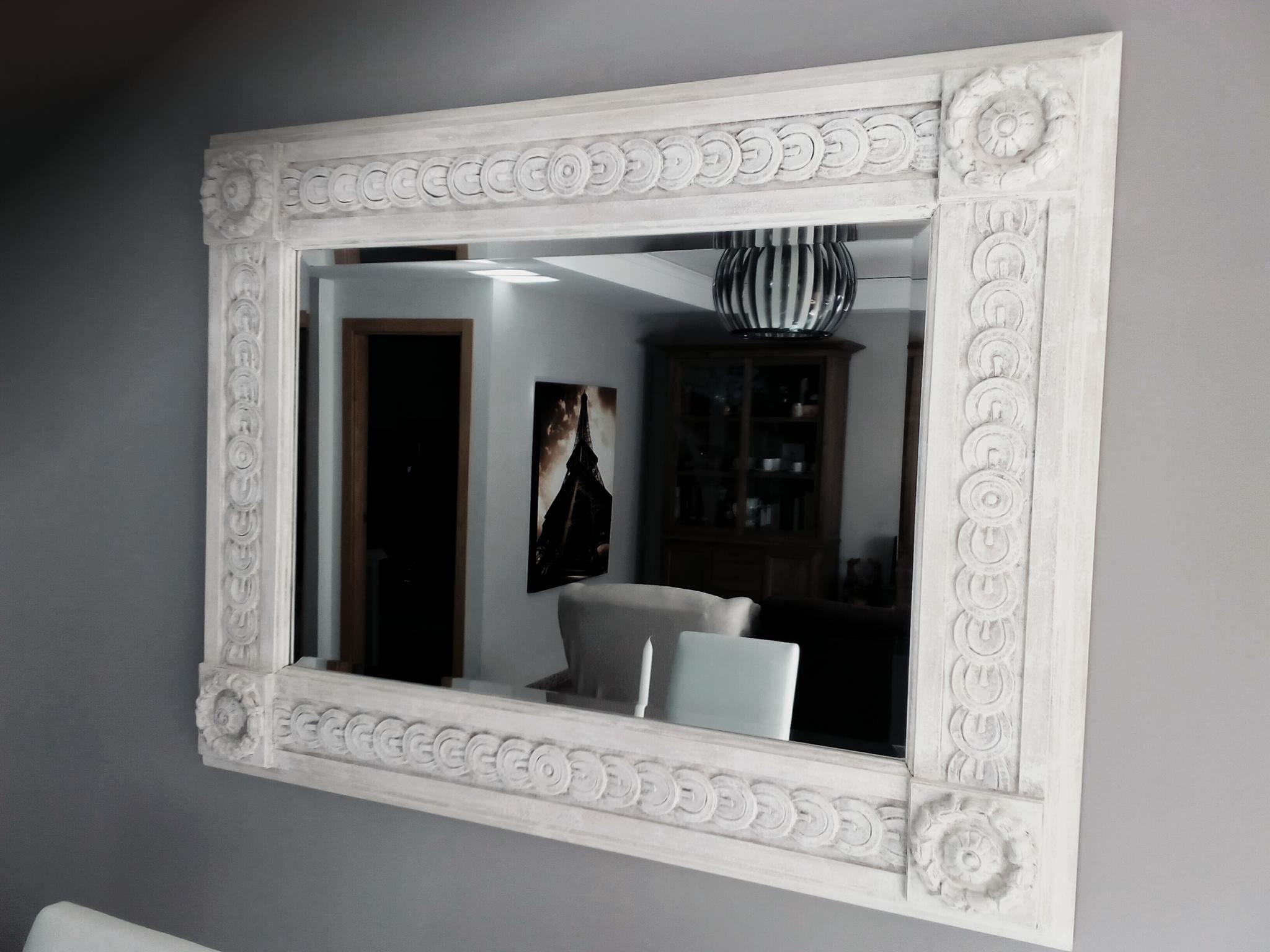 espejo marco blanco con betun de judea