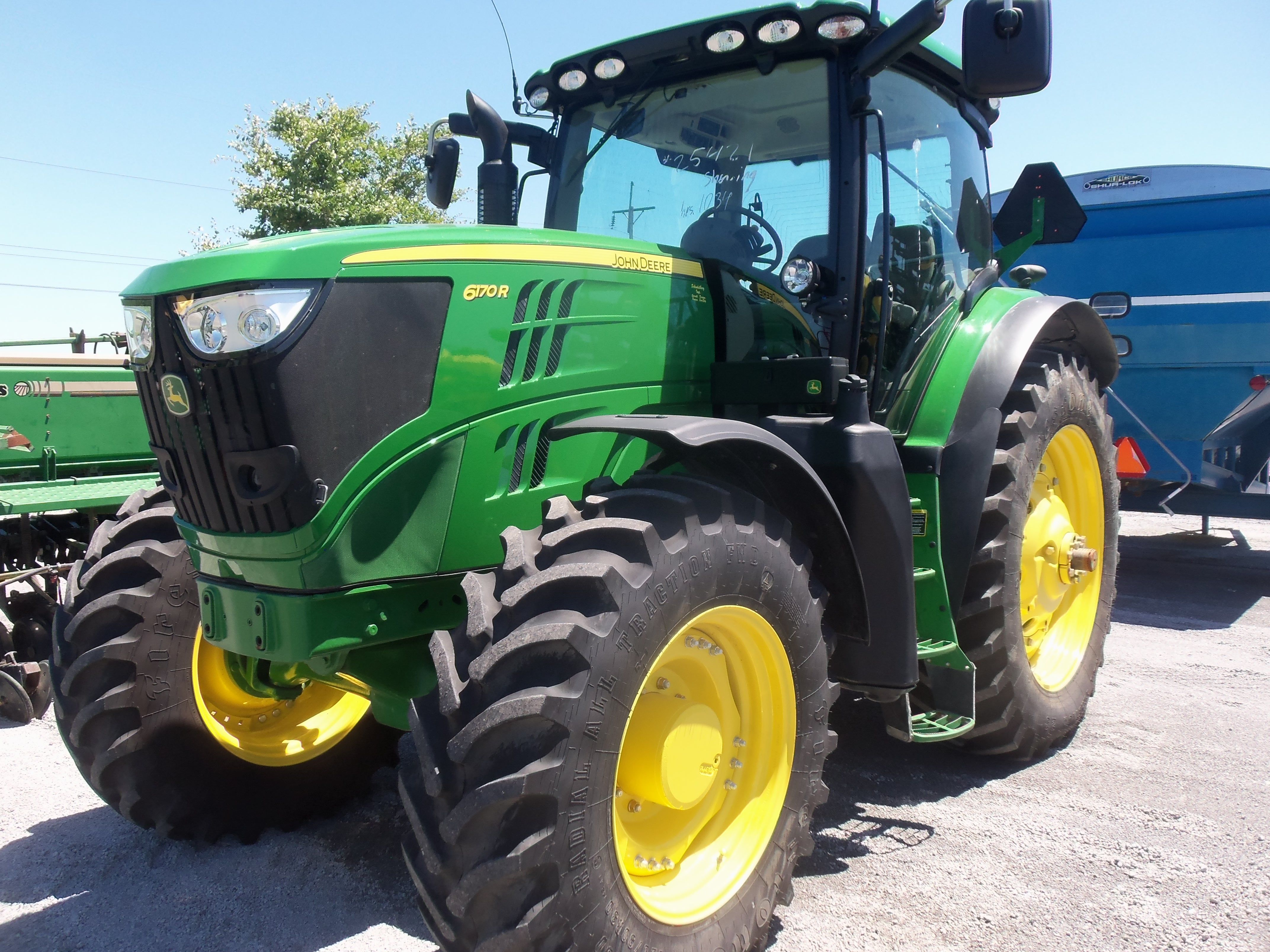 small resolution of john deere 6170r 187 max 170 engine 140 pto hp from a turbocharged 549 cid diesel 15 500 lbs 58 gallon fuel tank 119 inch wheelbase