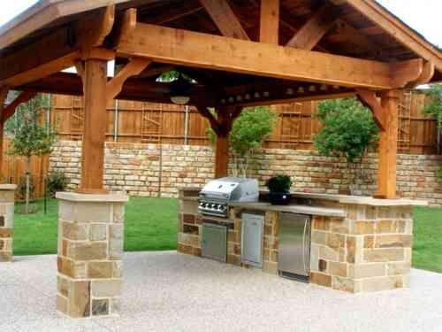 Pergolas et jardin design : 50 extérieurs qui font rêver