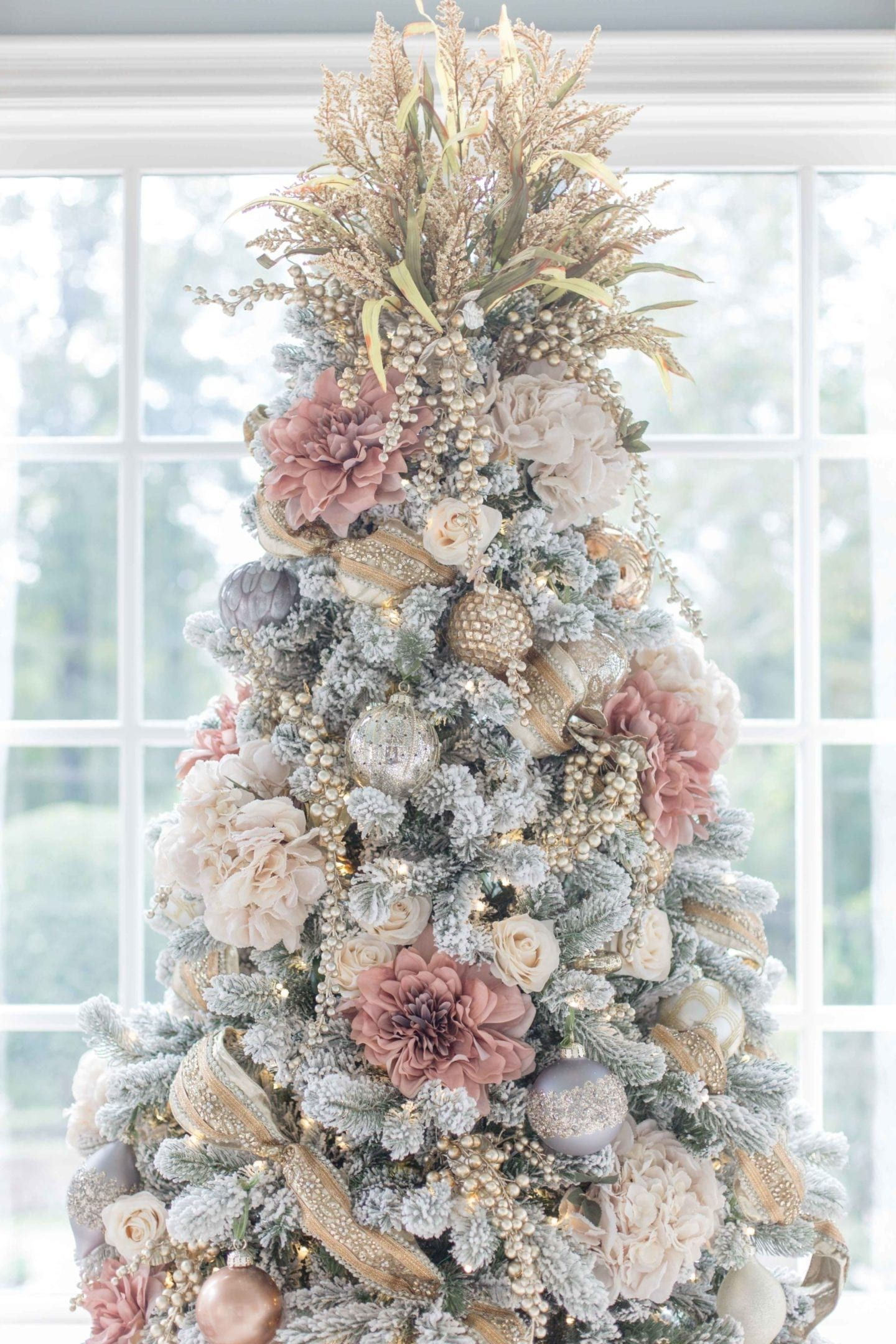 Photo of 6 Ideas for How to Decorate a Flocked Christmas Tree | BlueGrayGal