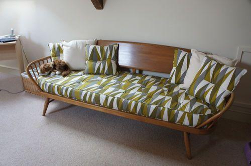 Vintage Ercol 1960 70s 355s Day Bed Studio Couch Ebay Ercol Furniture Contemporary Home Decor Mid Century Modern Furniture