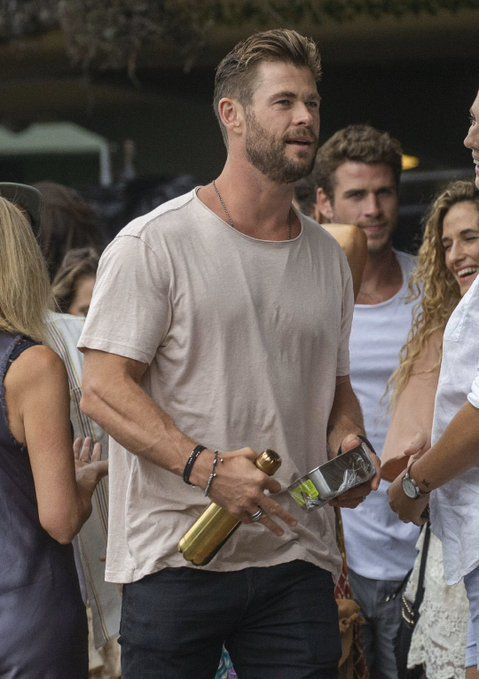CoolDeal on in 2020 Liam hemsworth, Hemsworth, Chris