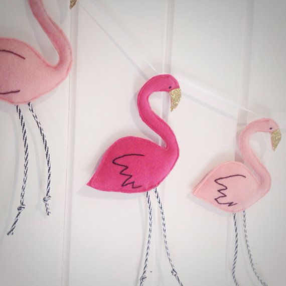 Pink flamingo garland five flamingoes with by Thesecretcrafthouse ...