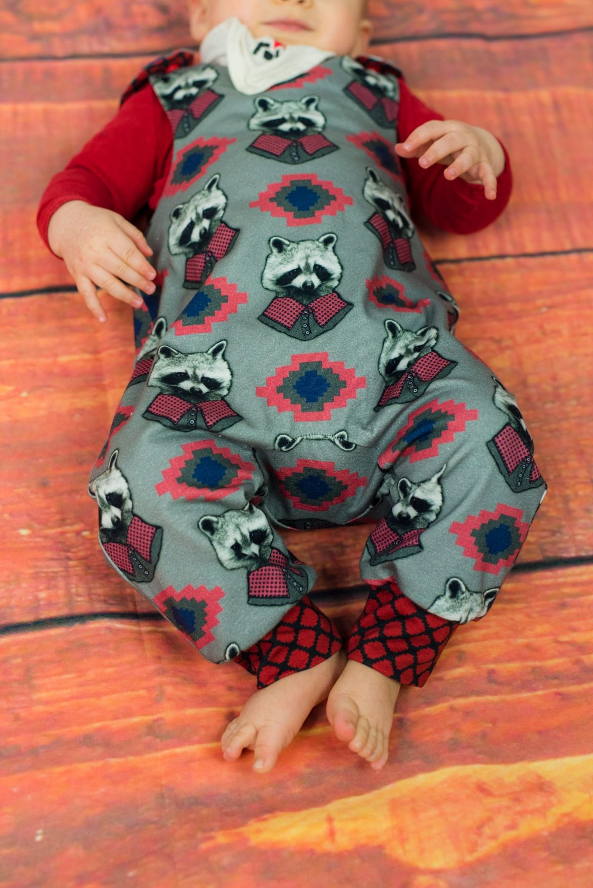 Party Baby | Strampelhose, Baby strampler und Nähen baby
