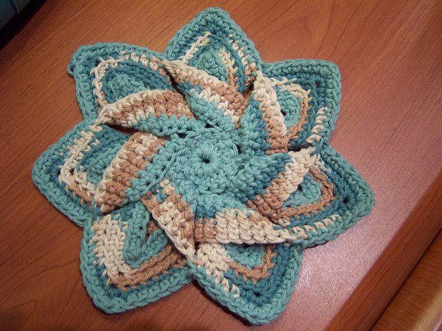 Crochet Flower Hot Pad: free pattern