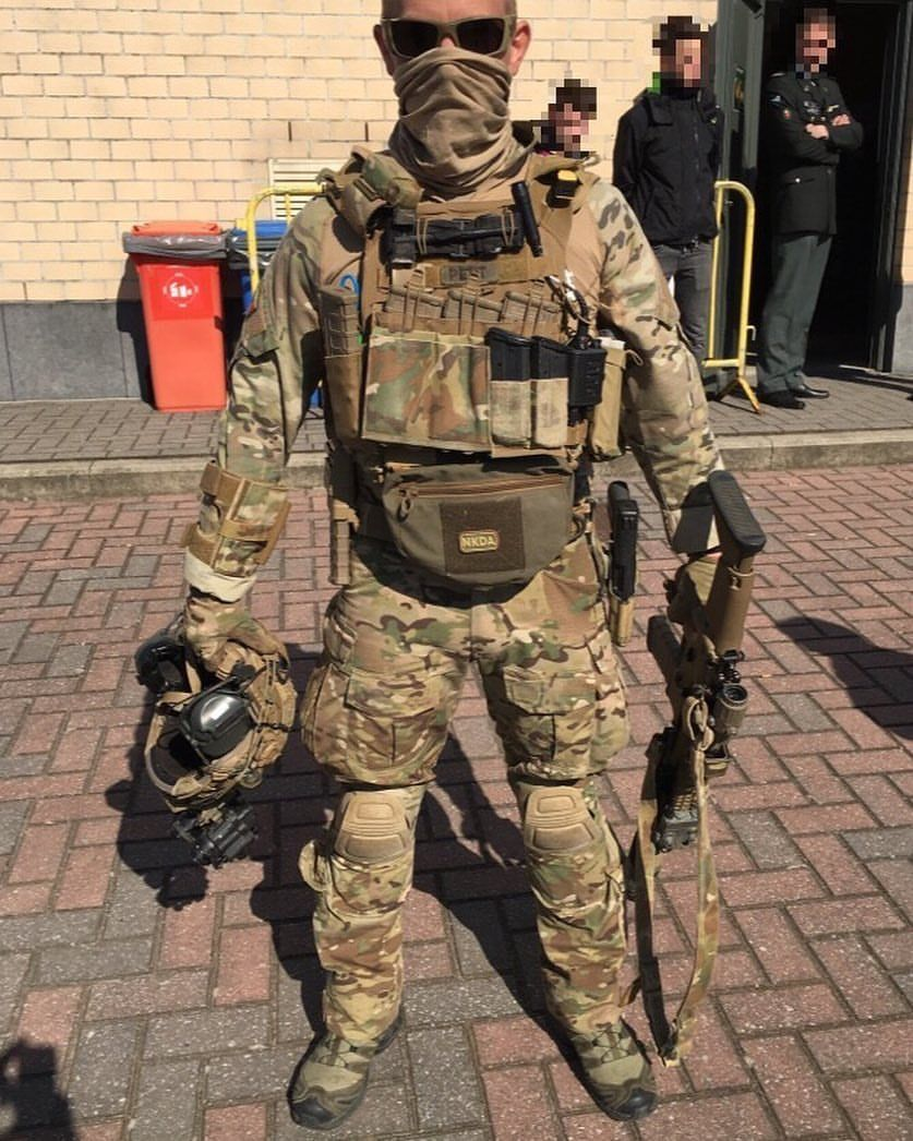 Belgian Special Forces Group Operator With The Scar L