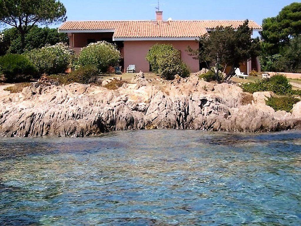 Exklusive Villa Direkt Am Meer Sardinien Mit Bildern Ferienhaus Italien Am Meer Ferienhaus Sardinien Ferienhaus Direkt Am Strand