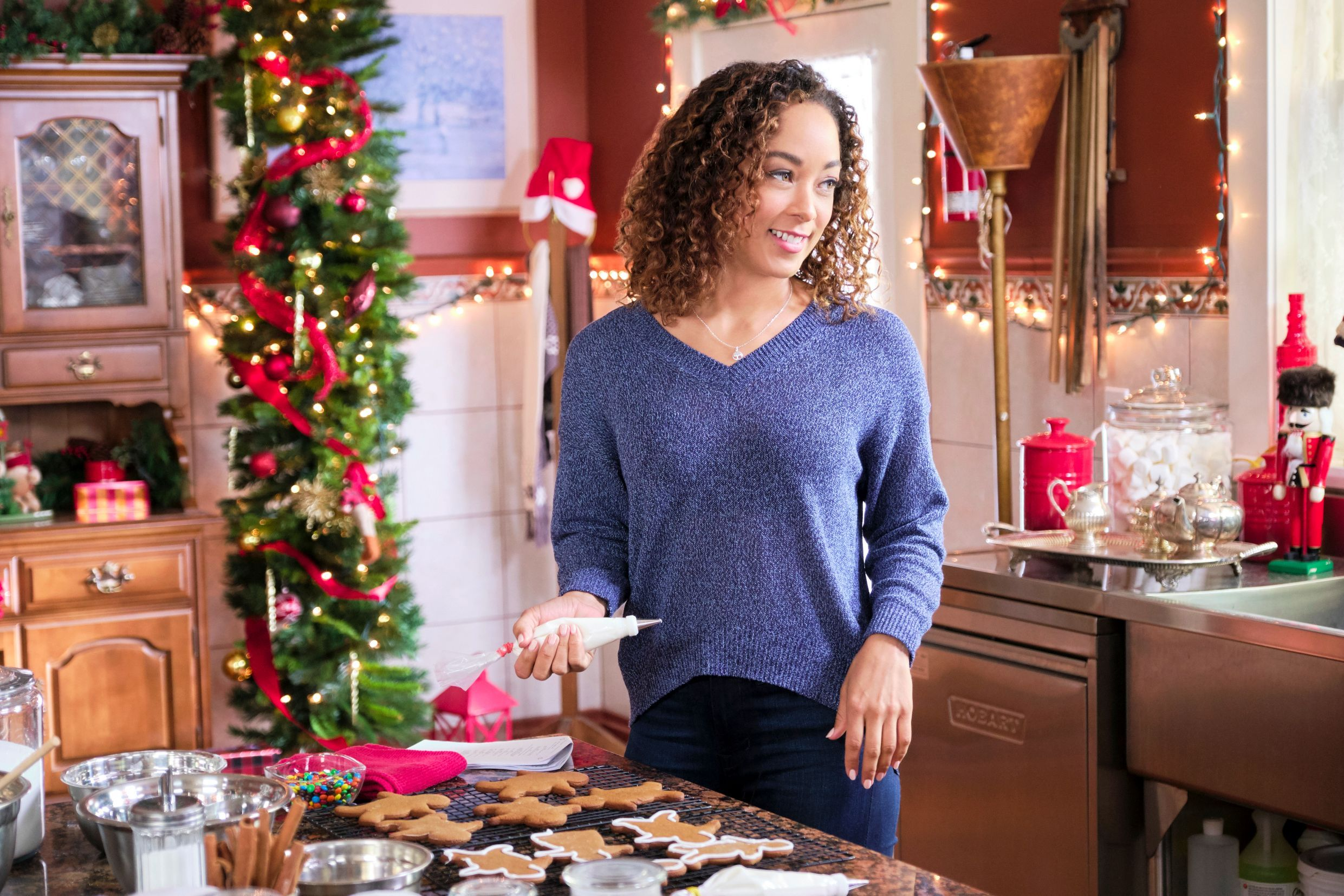 Watch An Exclusive Clip Of Hallmark S Upcoming Holiday Movie A Christmas Duet Christmas Duets Duet Holiday Movie