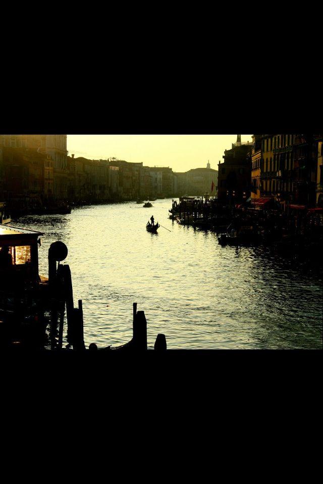 Veneza by Maya Borzani