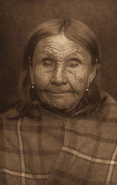 Photo of Kaktsamah – Cowlitz (The North American Indian, v. IX. Norwood, MA: The Plimpton Press, 1913) – 1000Museums