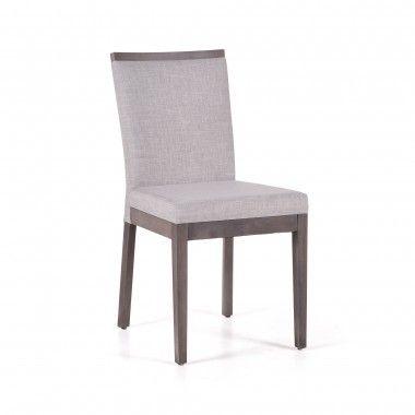 Cette chaise de salle à manger en merisier se distingue par sa