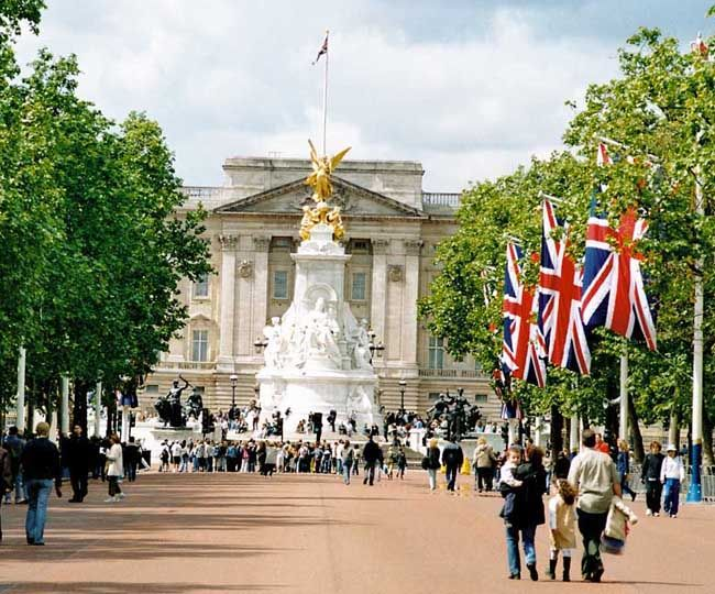 London is the top tourist destination of 2015