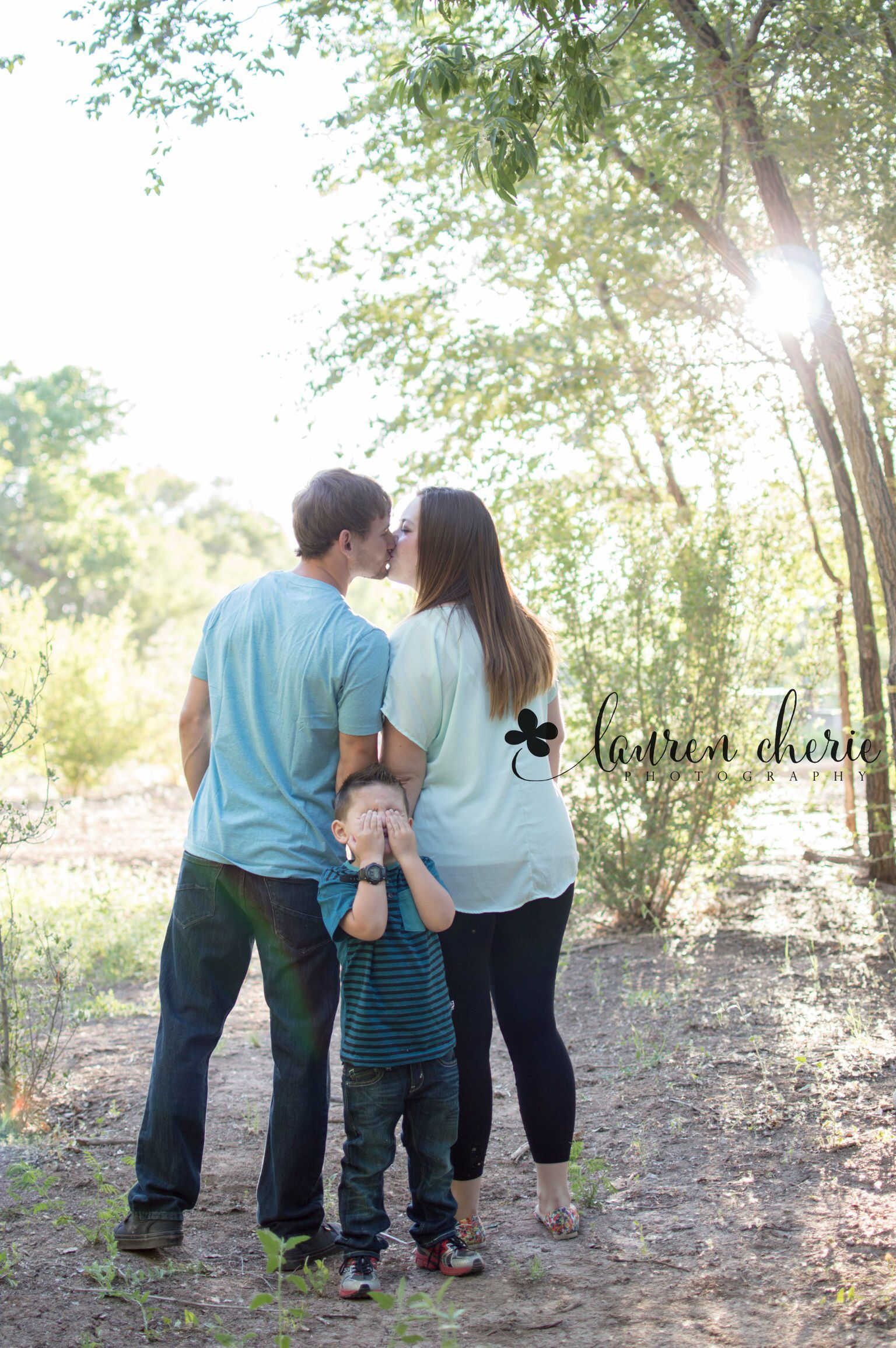 Lauren cherie photography family photography outdoor for Family of 3 picture ideas