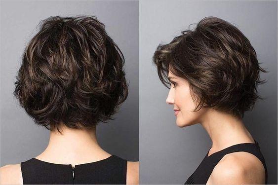 10 Stylish Short Wavy Hairstyles with Balayage - S