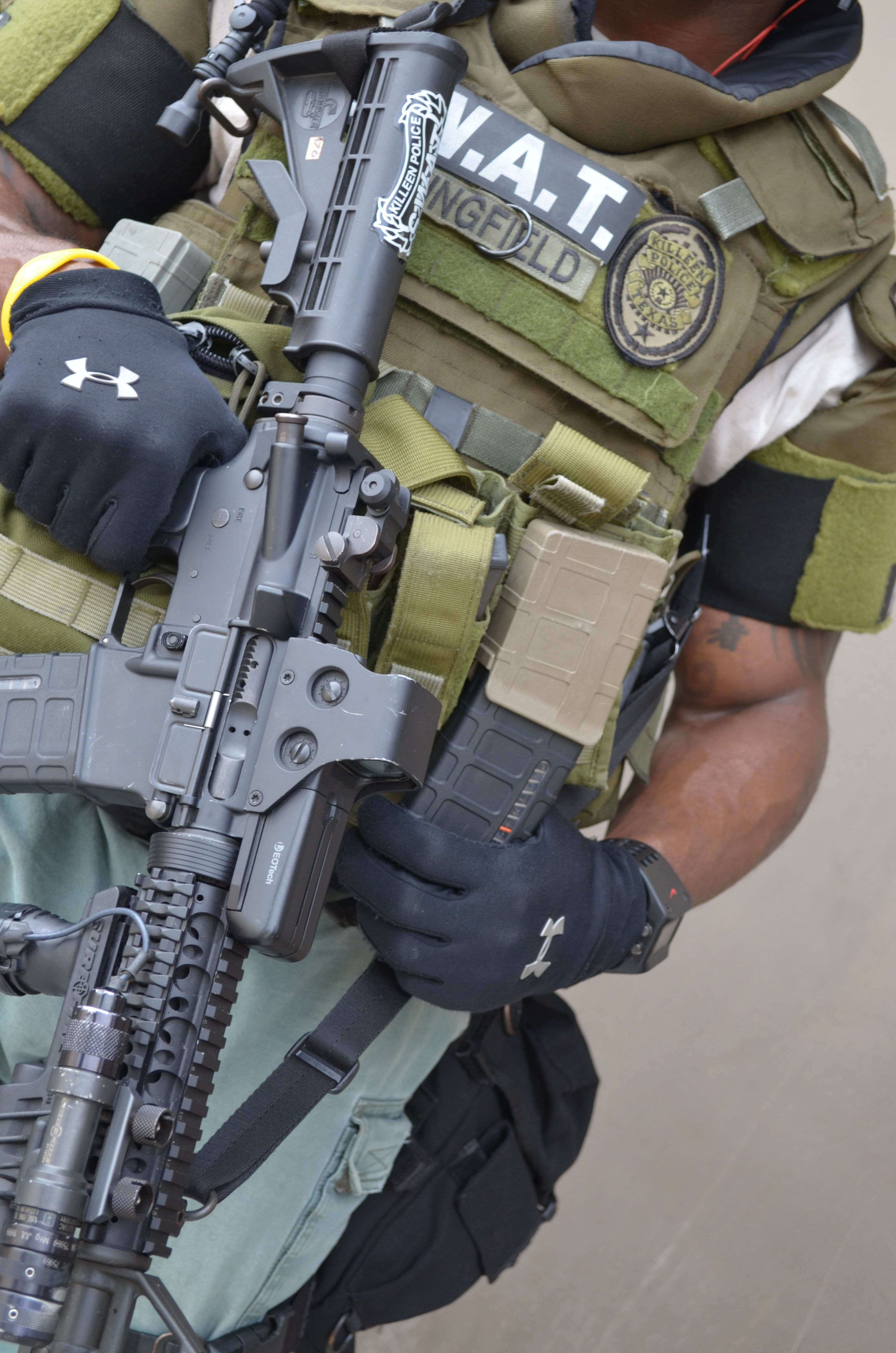 full swat gear smashed - 736×1111