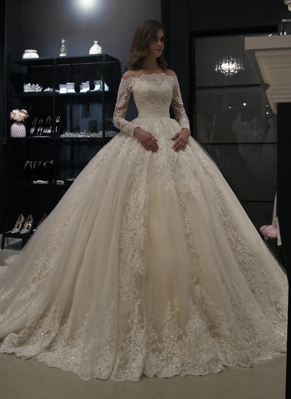 Princess royal off shoulder wedding dress Nuria by Olivia Bottega. Beading Lace wedding dress. Long