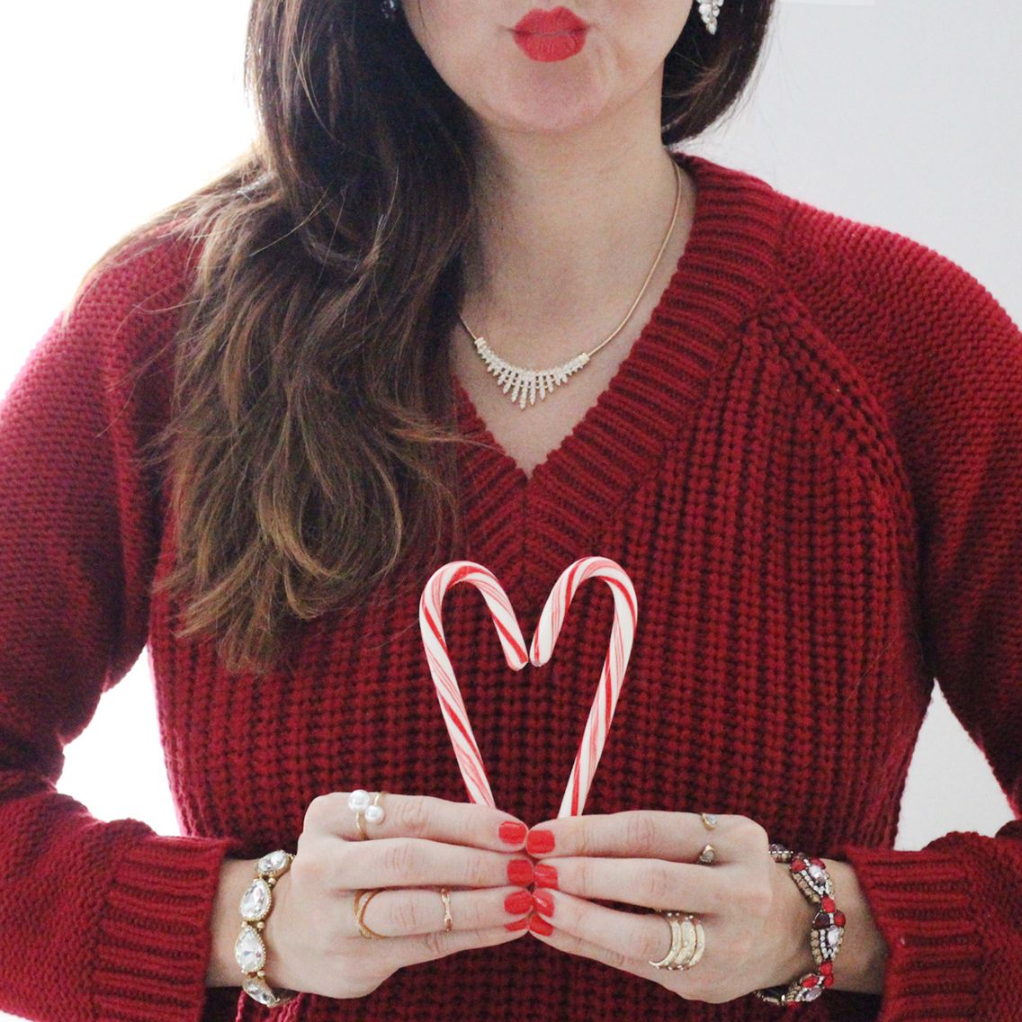 A little kiss and lots of love on this #ChristmasEve from us to you. ❤️  http://bit.ly/1r1mP6m