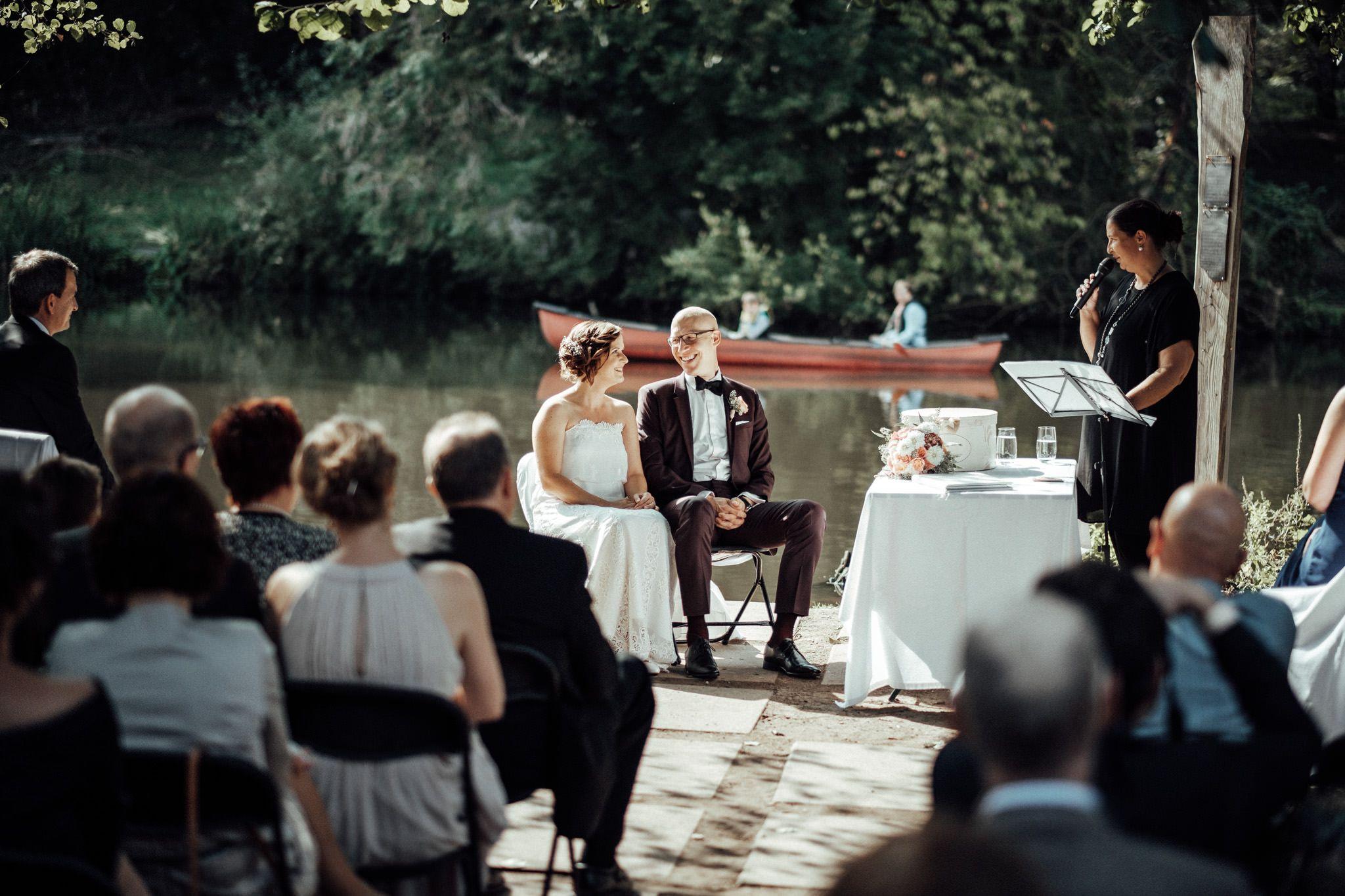 Freie Trauung Am Bruckenkopf Park In Julich Und Feier An Der Blumenhalle Nebenan Top Hochzeitslocatio Hochzeitsfotograf Hochzeitslocation Hochzeitsfotos