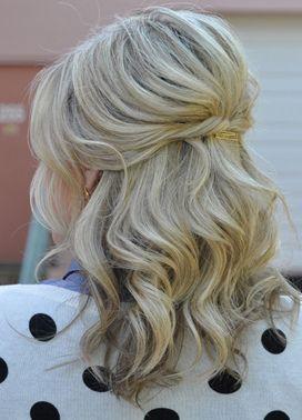 Half Up Medium Hair Medium Length Hair Idea Short Blonde Hair Shoulder Length H Medium Hair Styles Medium Length Hair Styles Updos For Medium Length Hair