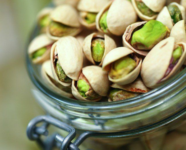 Why+You+Should+Incorporate+Nuts+Into+Your+Diet