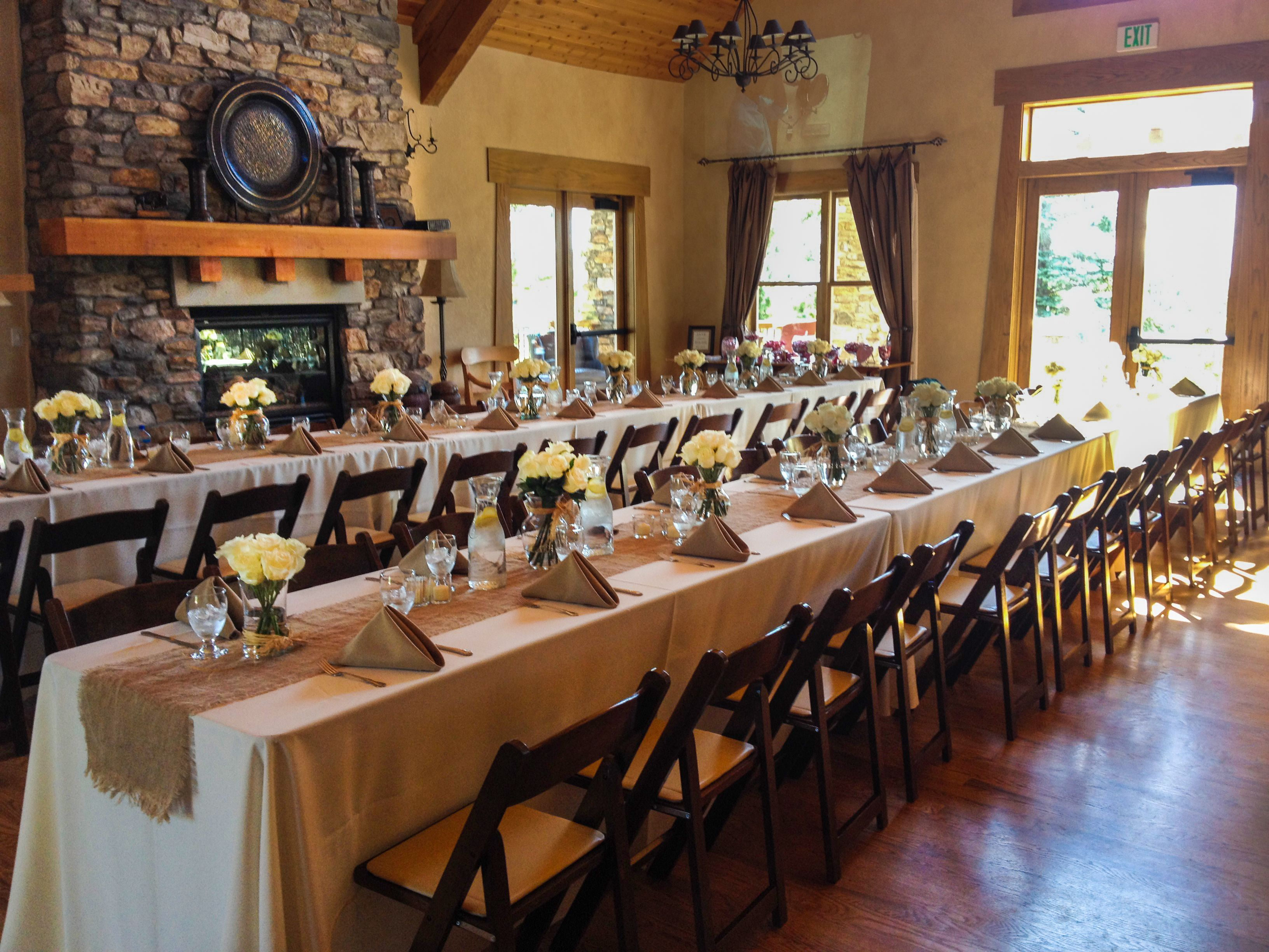 Farmhouse Seating At A Post Wedding Reception Tallyn S Reach Clubhouse