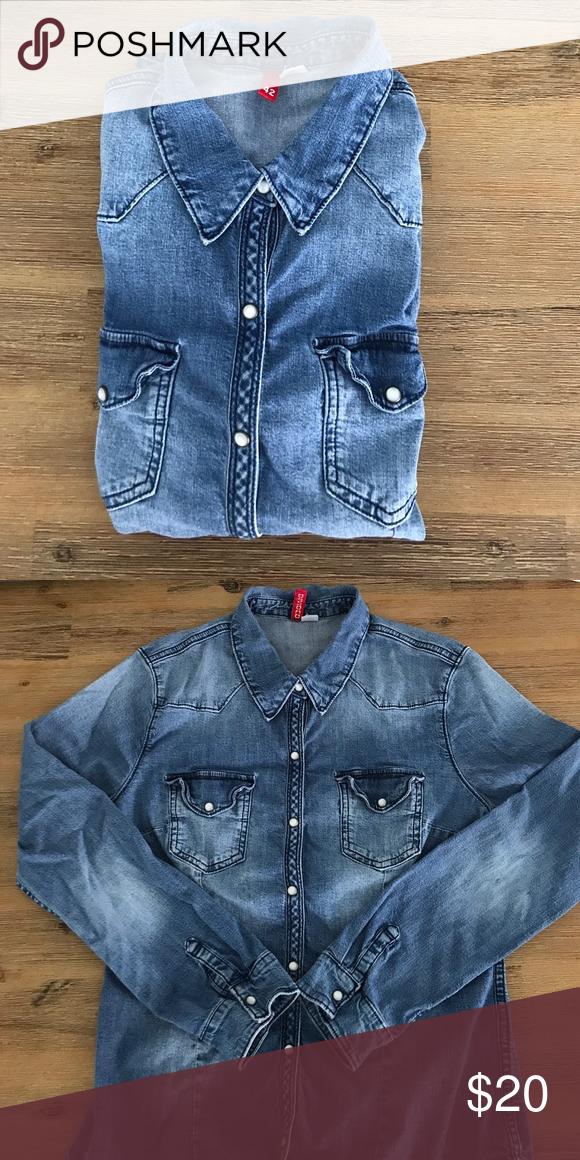 H&M red label blue jean shirt size EU 42/US M H&M red label blue jean shirt size EU 42/US M H&M Tops Button Down Shirts
