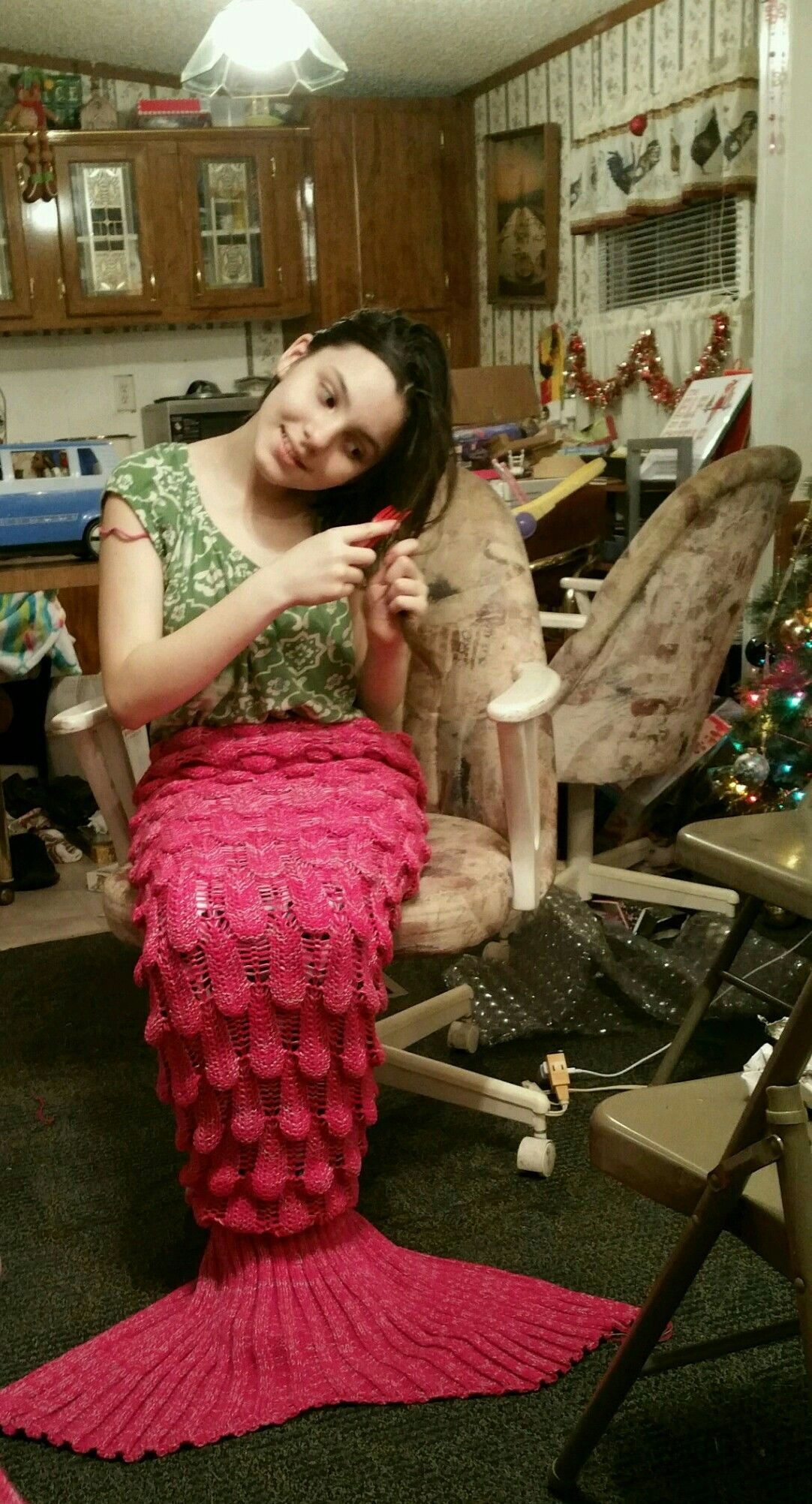 Kayleigh granddaughter shows off her mermaid tail
