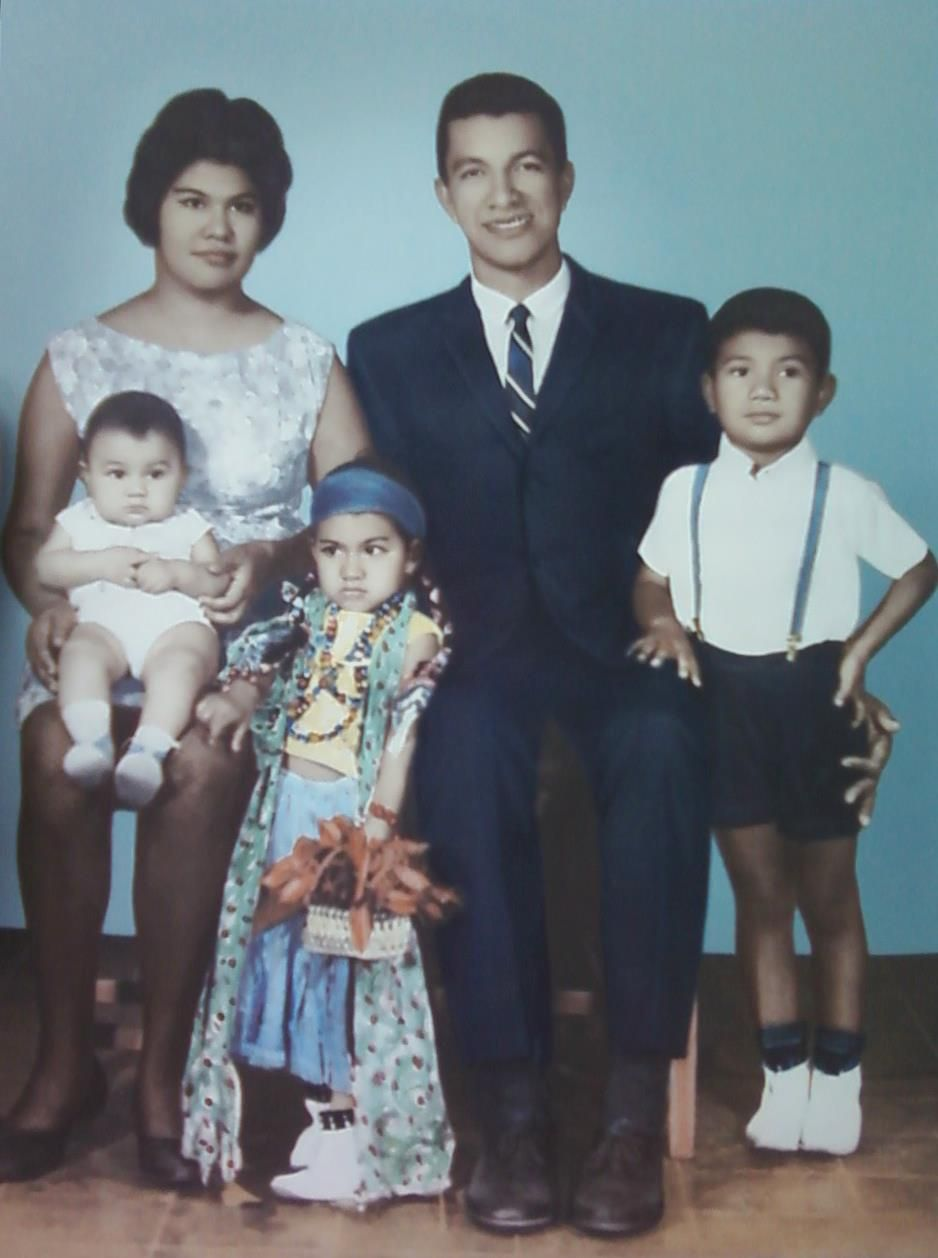 "- Photos and Stories;""Mi FAmilia"" Diciembre 12 1968 Apopa _El salvador"