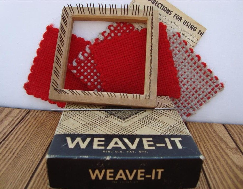 Weave It Donar Wood Loom With Box Instructions Needle Sample