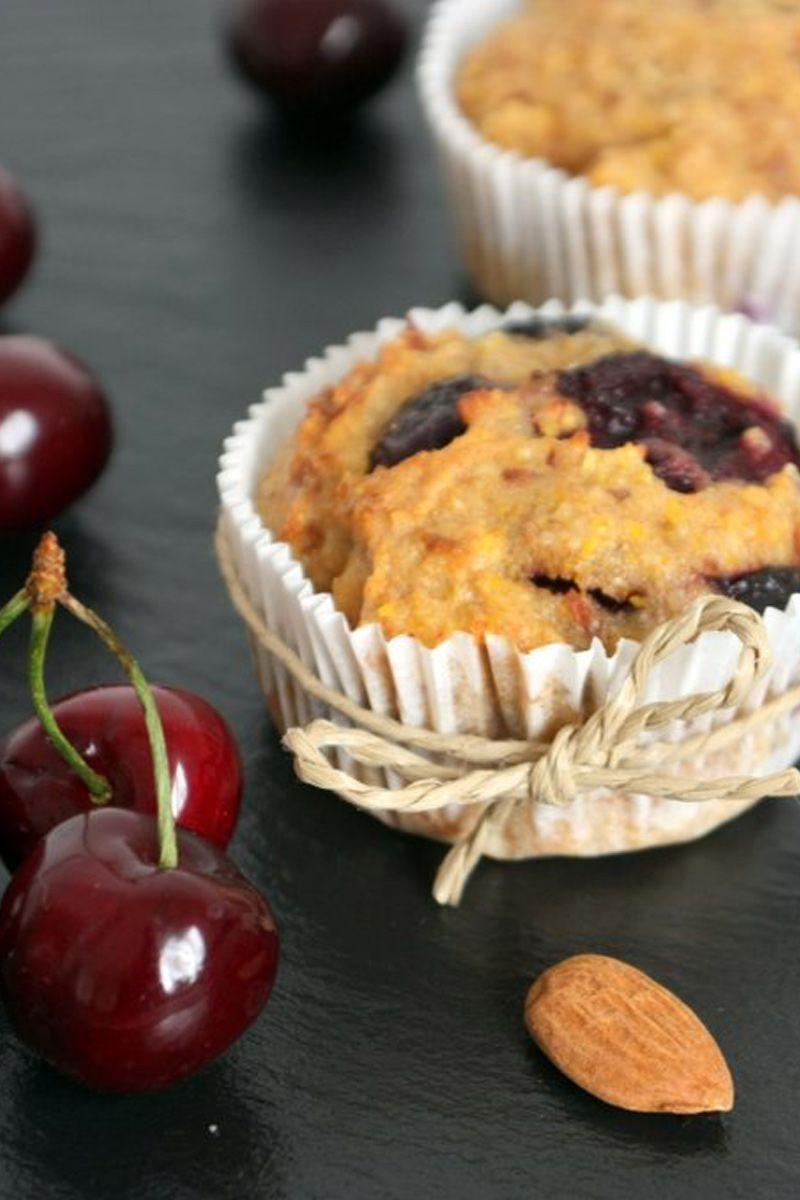 Rezept für Mandel und Kirsch Muffins, einfach schnell und gesund. Zuckerfrei und mit übrig gebliebenem Mandelmark von der Mandelmilch gemacht