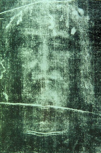 Ciência confirma a Igreja: TODA A VERDADE SOBRE O SANTO SUDÁRIO