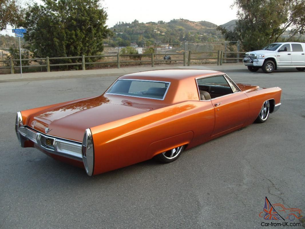 Bagged '67 Cadillac Coupe DeVille