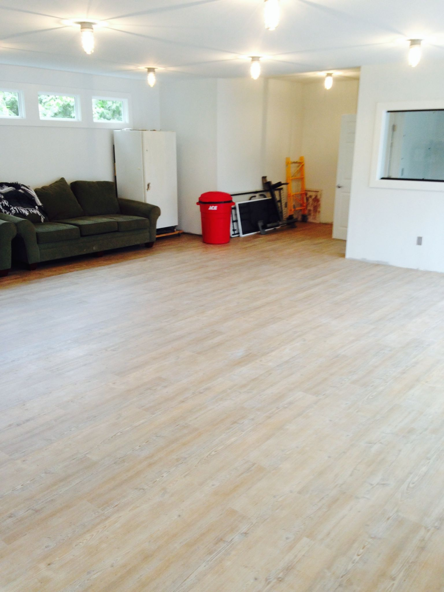 Arcadian Soya Pine Vinyl Floating Floor Installed On A Gym Floor Floor Installation Floating Floor Cork Flooring