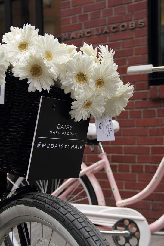 The Marc Jacobs Tweet Shop: New York Fashion Week,