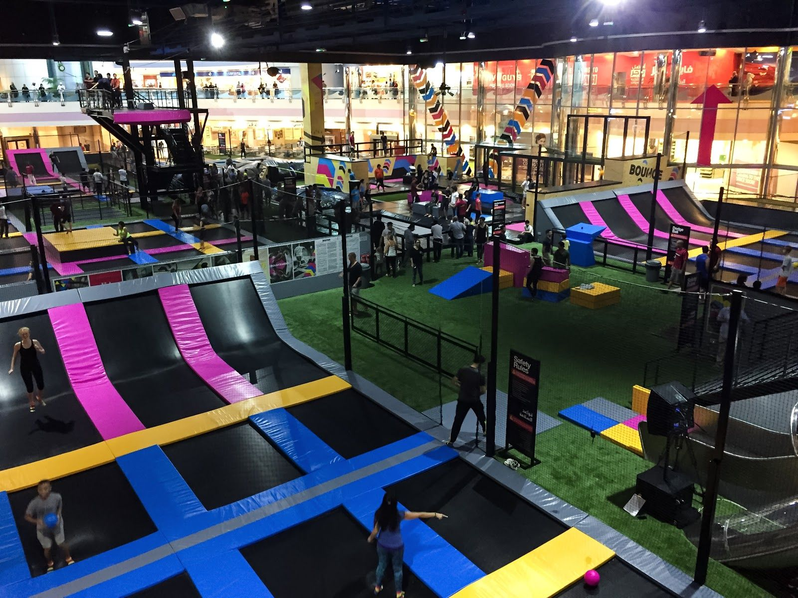 Trampoline room in house - Bounce Abu Dhabi Trampoline Park
