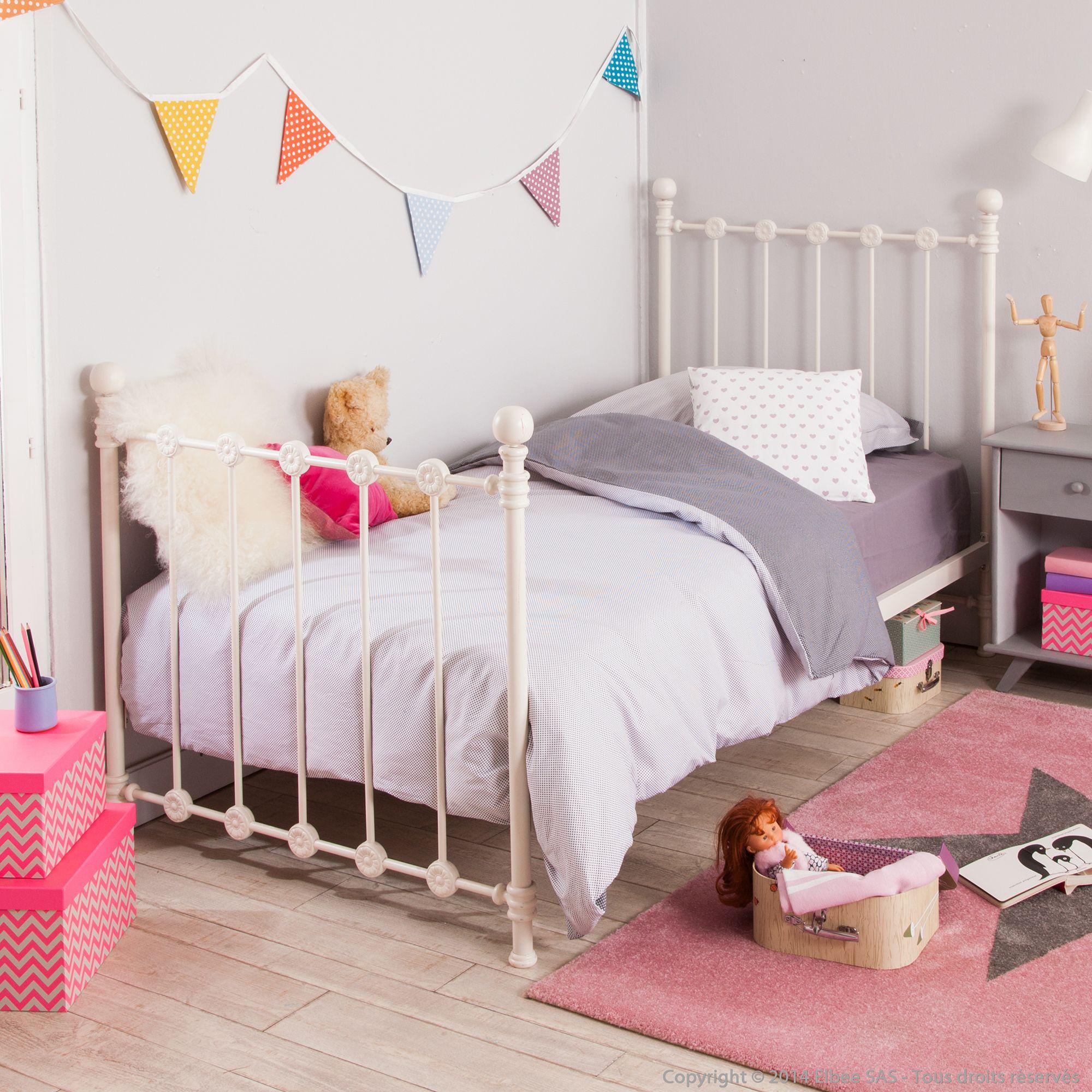 vente privee lit. Black Bedroom Furniture Sets. Home Design Ideas