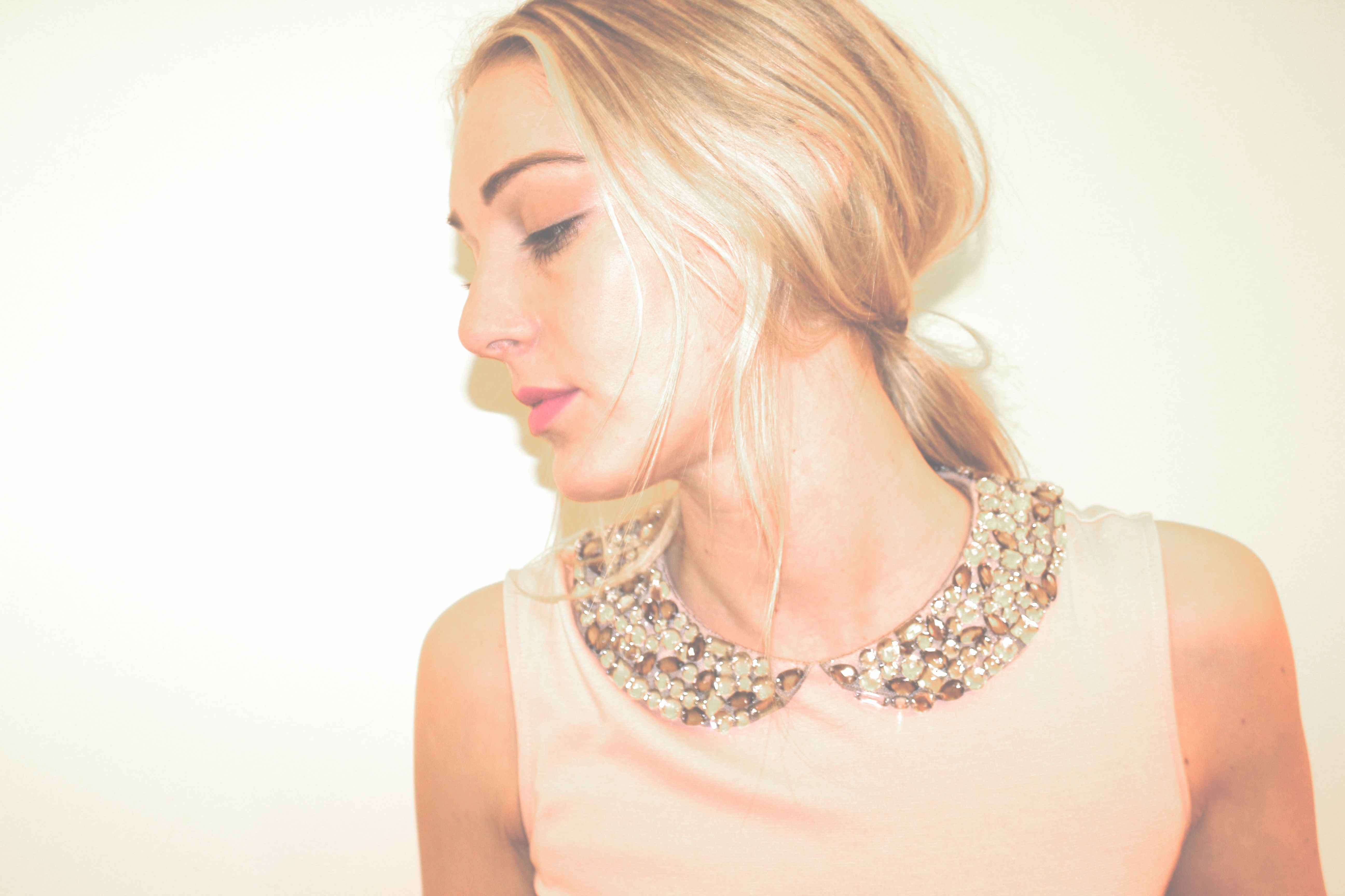 Embellished Collar Dress: Photography + Styling http://www.thefabuloustimes.com/