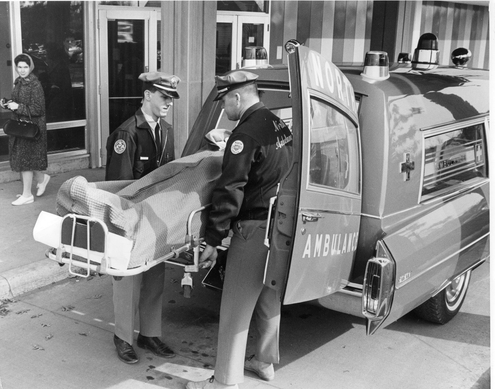 Pin By Ed Gates On Ambulances Cadillacs Mostly Rescue Vehicles Emergency Vehicles Search And Rescue
