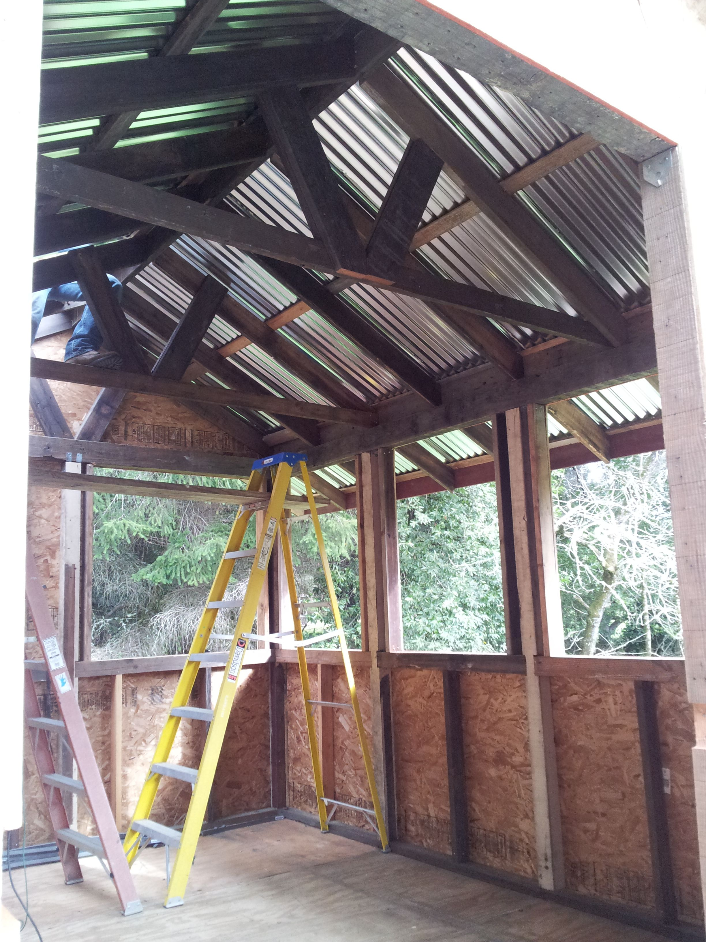 Corrugated metal roof | Modern roofing, Fibreglass roof