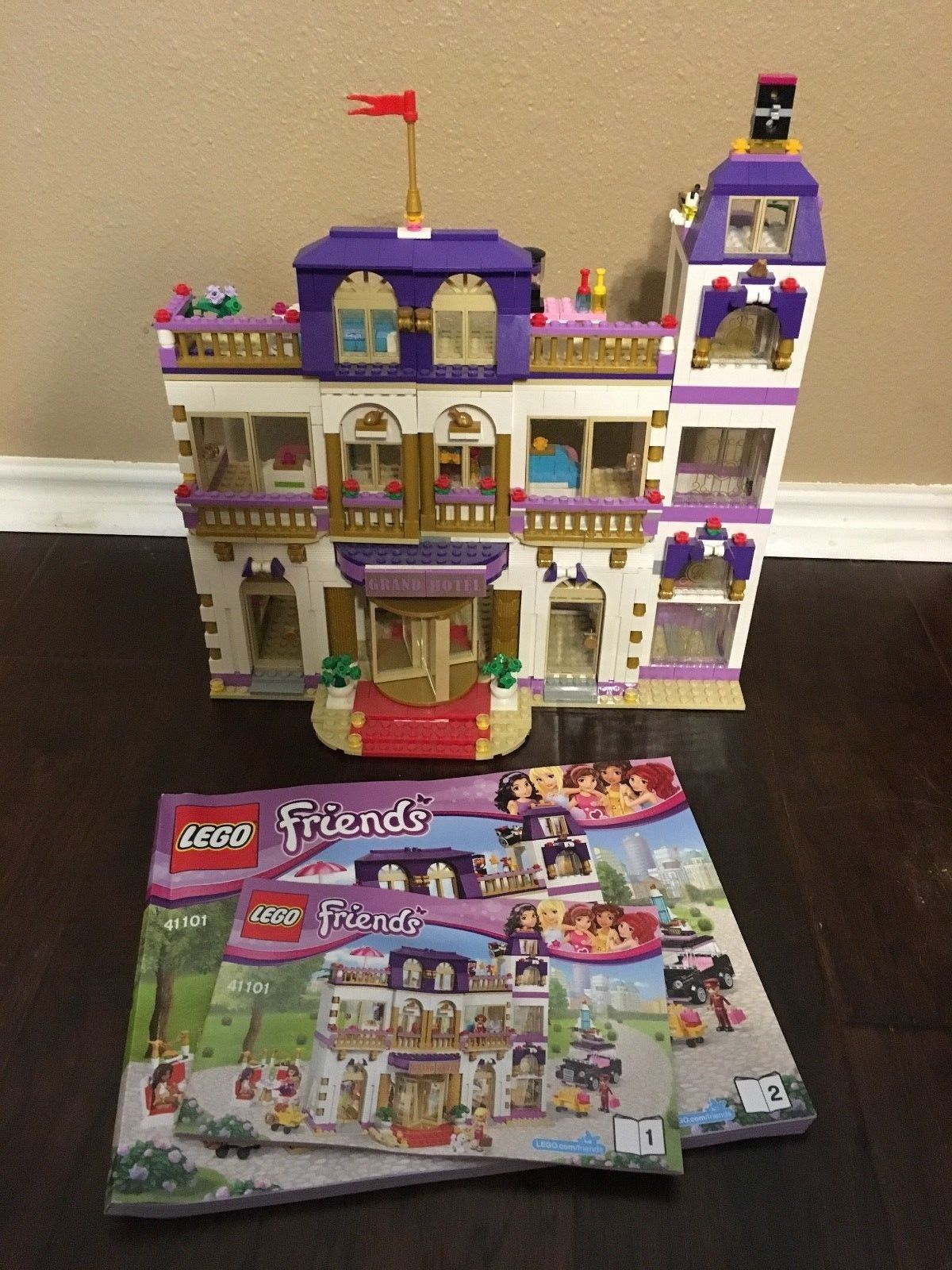 Lego 41101 Friends Heartlake Grand Hotel Taxi Incomplete Set