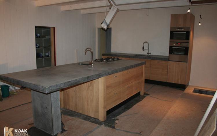 Keuken Ikea Houten : Foto: keuken met massief houten kastdeuren passend bij ikea keuken