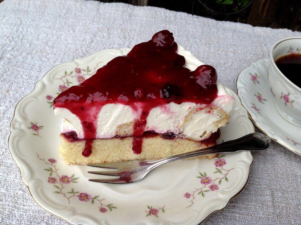 Windbeuteltorte mit Roter Grütze – Aus meinem Kuchen und Tortenblog – Coole desserts
