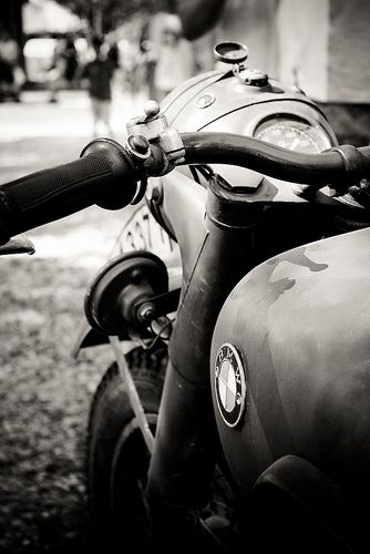 13 Cool Black And White Motorcycle Pictures White Motorcycle