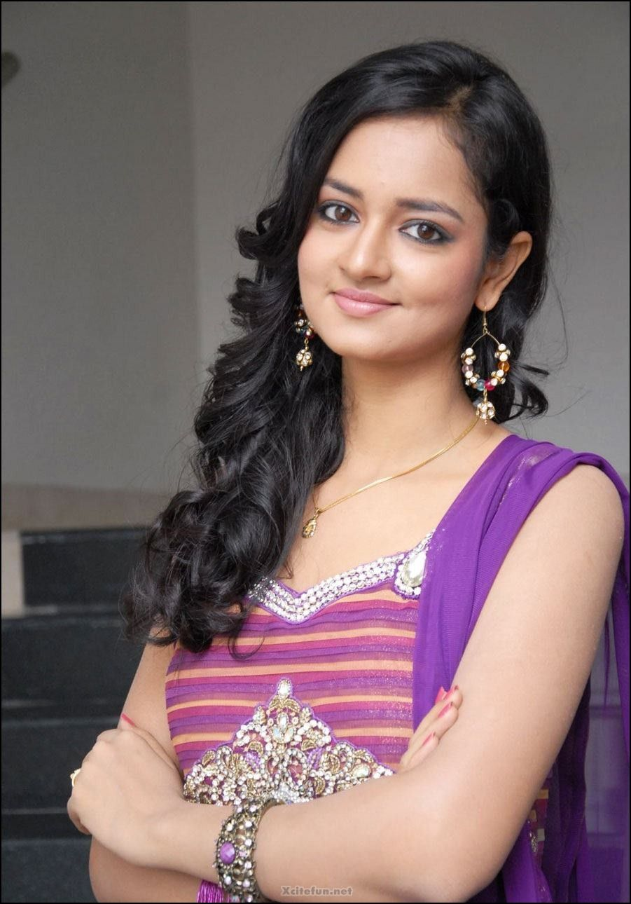 Without Dress Girls Images Galleries