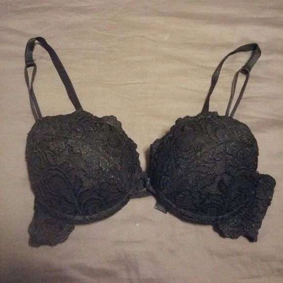 Push up bra Super padded push up sexy bra. New with out tags size 34B Smart & Sexy Accessories