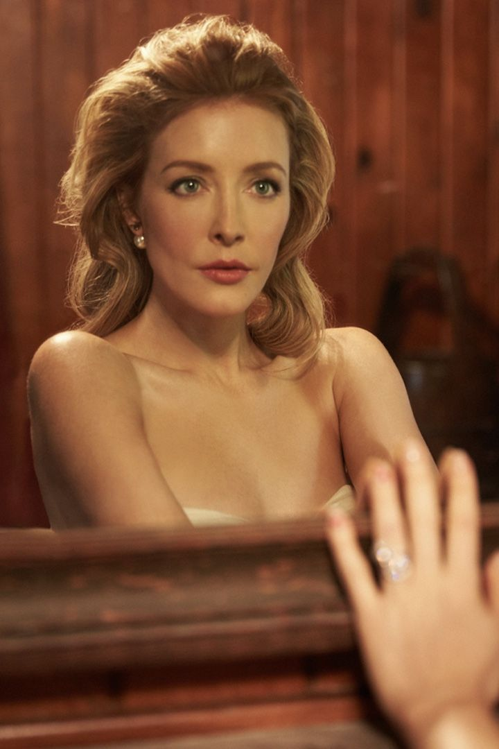13 Things That Salvation Star Jennifer Finnigan Finds ...