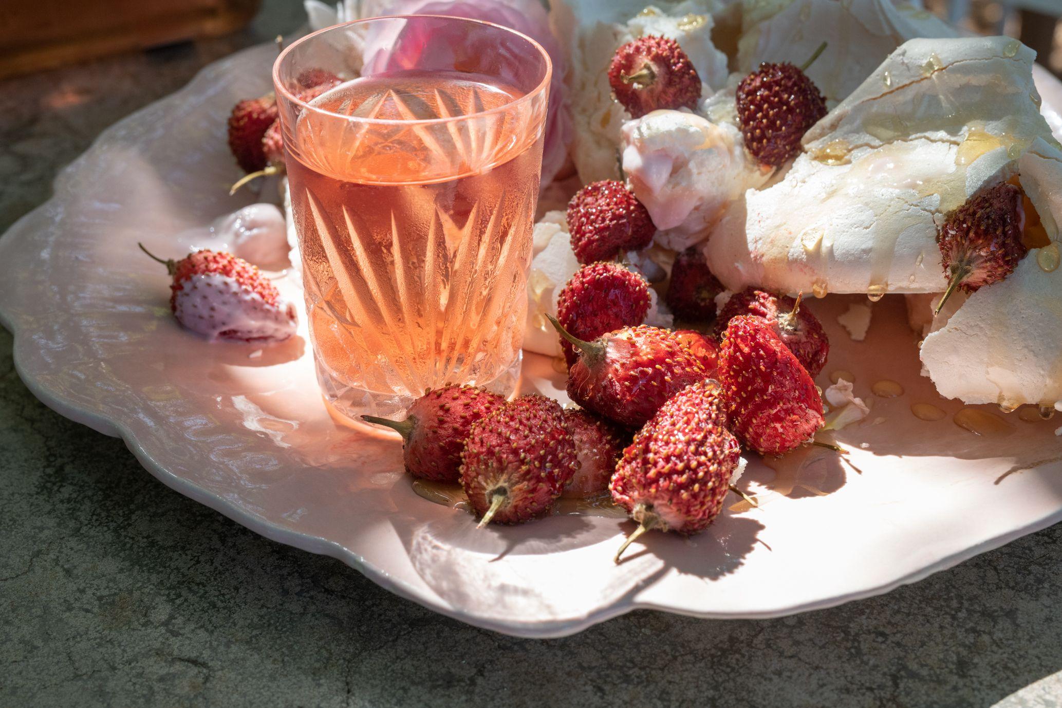 Strawberries And Rose Pairing Food Wine Recipes Sweet Taste
