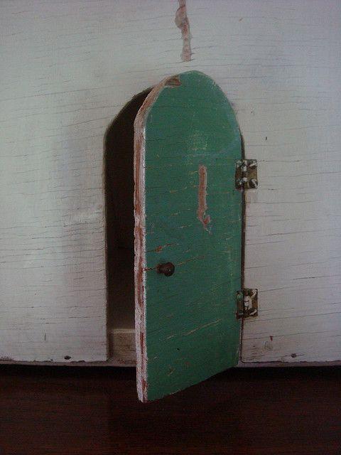 Reminds Me Of Coraline Cool Doors Vintage Doors Old Doors