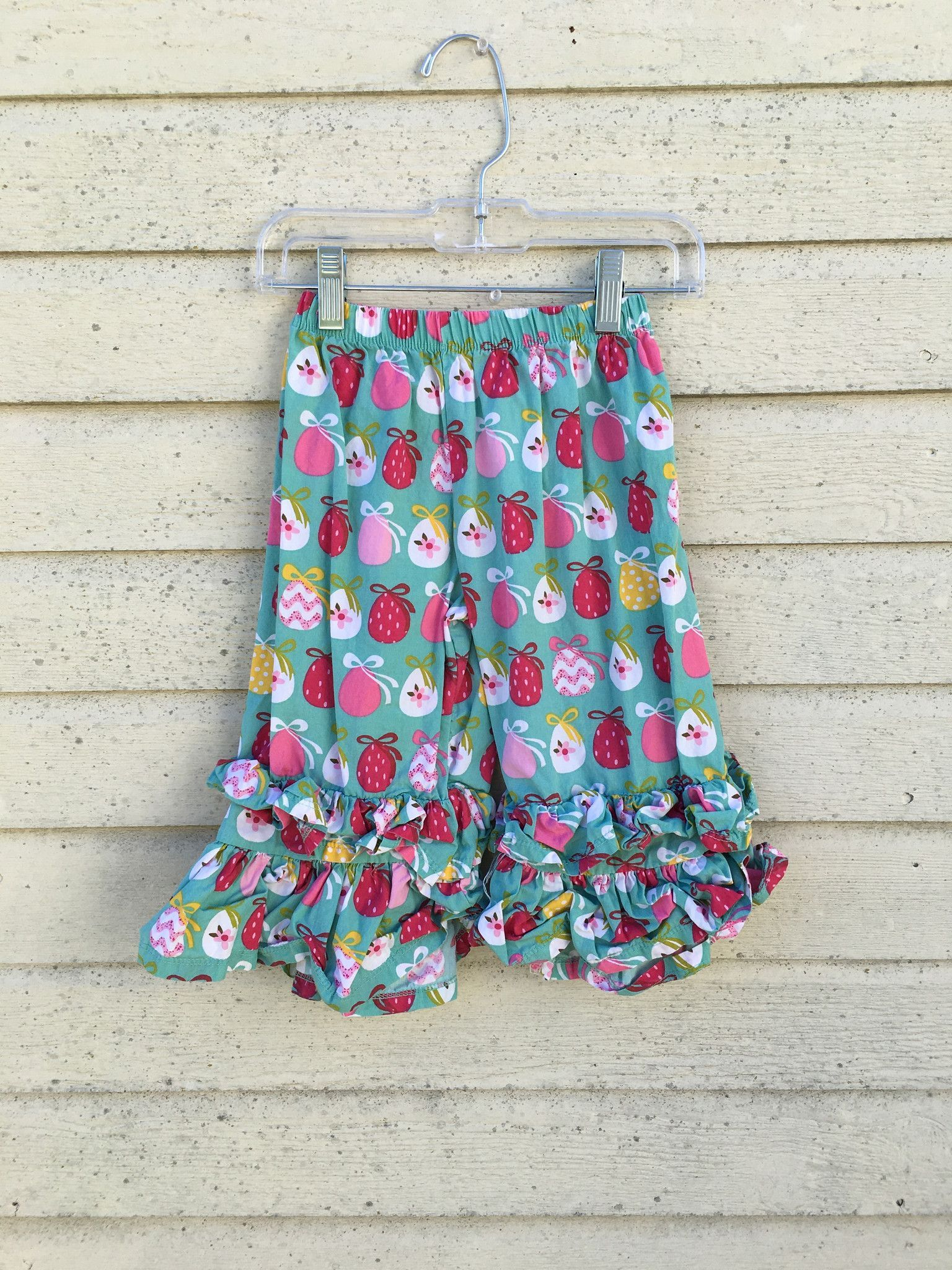 Jelly the Pug Easter Egg Ruffle Capris- Size 4